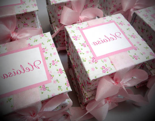 caixa floral lembrancinha maternidade